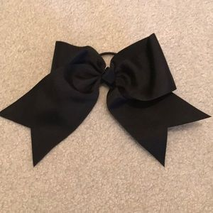 Black bow hair tie